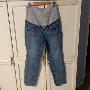 Thyme Maternity Girlfriend Jeans in medium